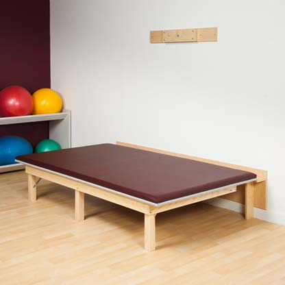 243 47 - Mat Table, Wall Mounted / Fold-Away