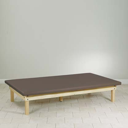 260 47 - Clinton Value Upholstered Top Mat Platform Table